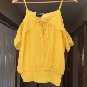 Bebe Yellow Off Shoulder Summer Top Size Medium